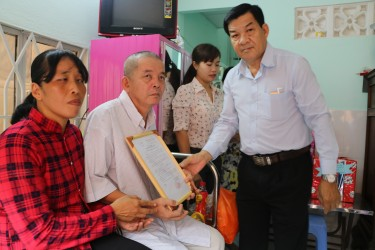 Hiep Phuoc donates the house of love in Nha Be Town