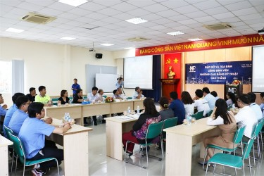Talks with students of Cao Thang Technical College in Hiep Phuoc Industrial Park