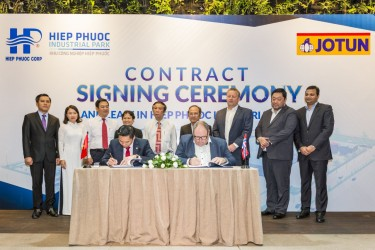 Jotun Paint Group signed a contract to lease land of 10 hectares in Hiep Phuoc Industrial Zone